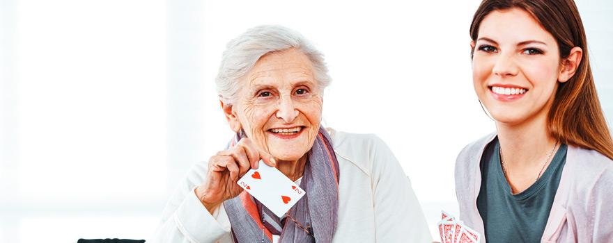 Yaşlı Bakıcısı Seçerken Nelere Dikkat Edilmeli ?